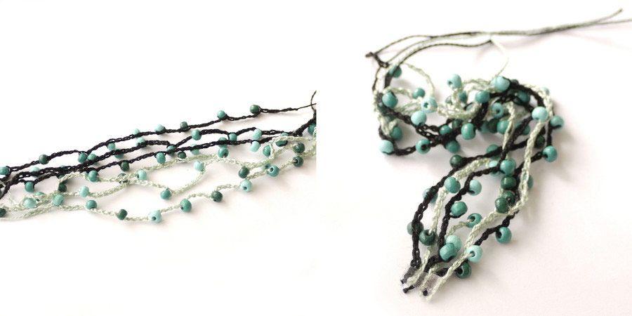Kvačkana zapestnica s perlicami