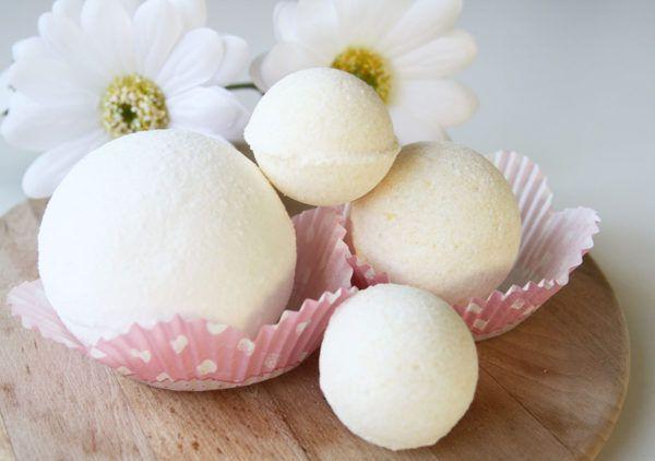 DIY: Kopalne kroglice s kokosovim mlekom
