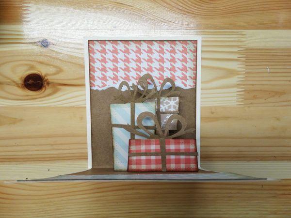 DIY: Voščilnica s pisanimi darilci