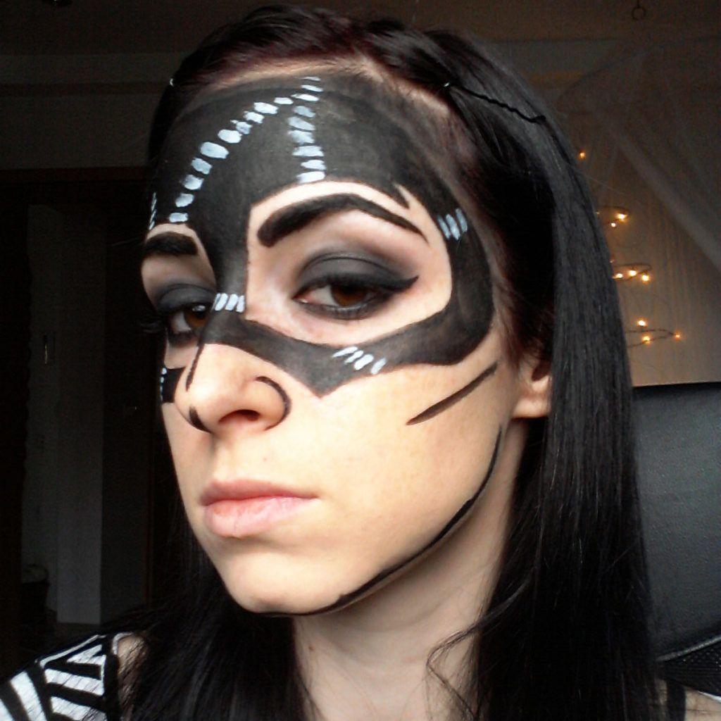 DIY: Pustna maska – stripovska Catwoman