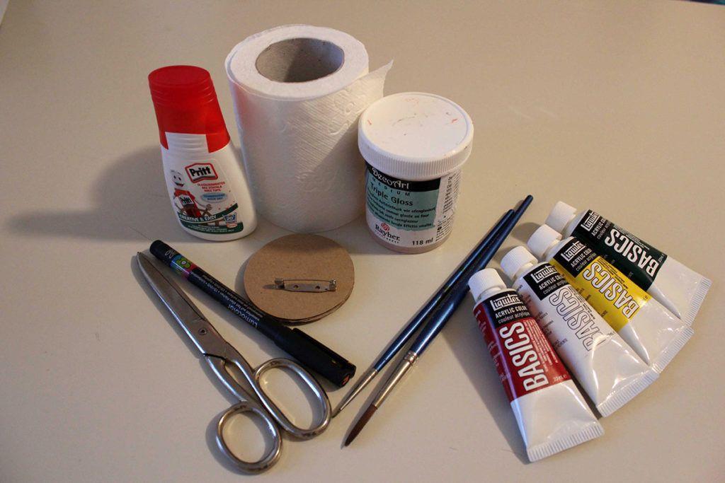 DIY: Pisane sadne broške – potrebščine