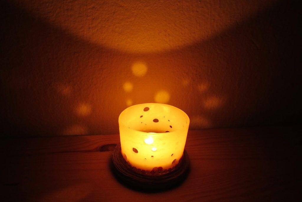 svecnik-naslovna-tema-1