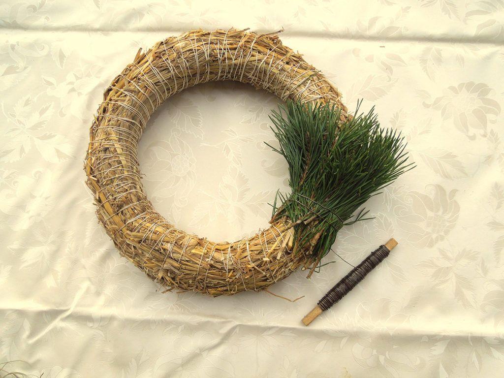 DIY: Zimzelen borov venček