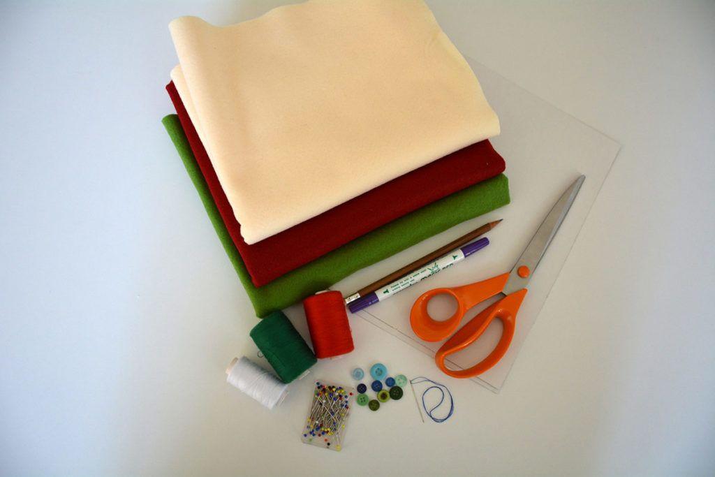 DIY: Škorenj za drobna darila – potrebščine