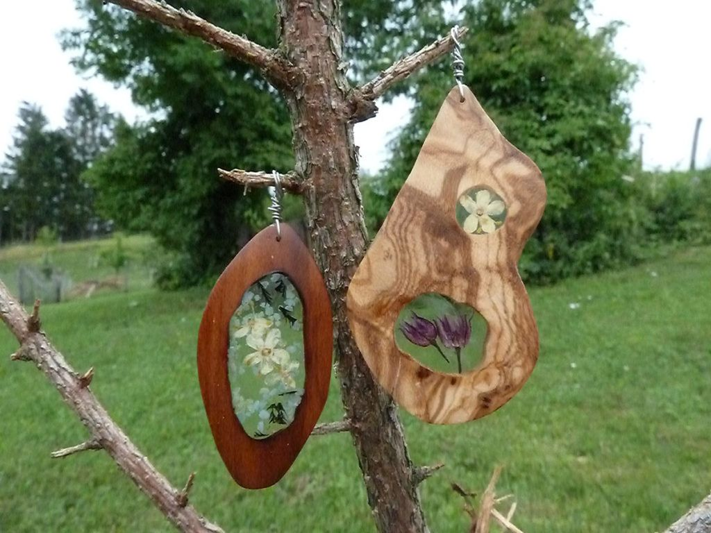Tjaša Šporar: Škorenjčki za otroke in zanimiv nakit, ki deluje kot zemljevid