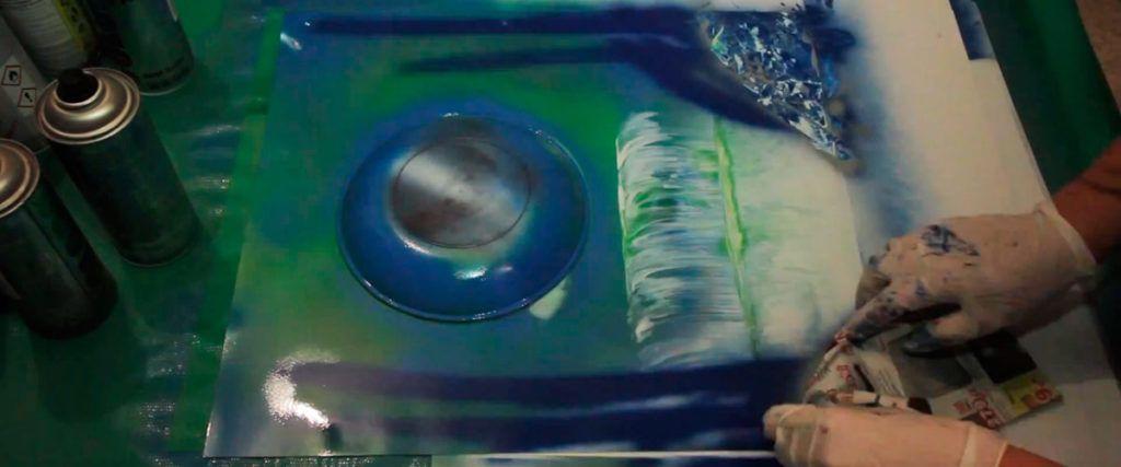 DIY: Slika s slapom v tehniki slikanja s spreji