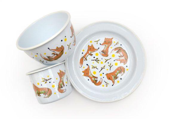 Linija emajlirane posode z ilustracijami gozdnih živali