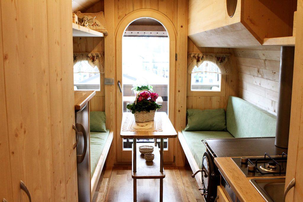 Samooskrbovalna hišica v obliki soda je slovenska ideja