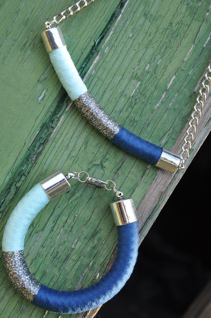 Urška Golob: Samosvoj nakit, ki ga ustvarja s tehniko ovijanja vrvi