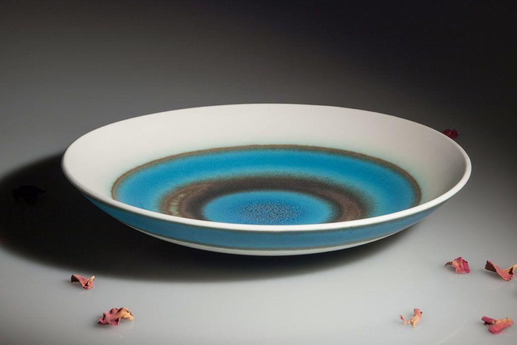 Vesna Vidrih: Sklede iz le navidezno krhkega porcelana