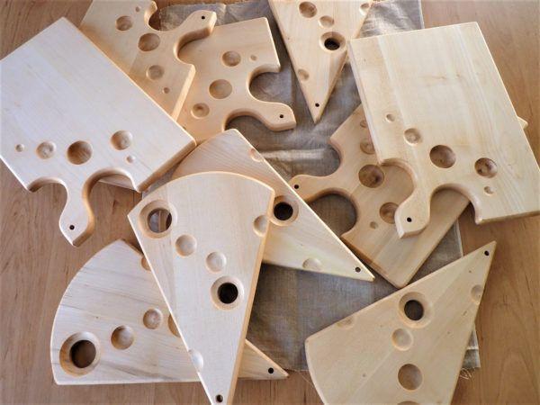 Domiselne lesene deske kot kos sira