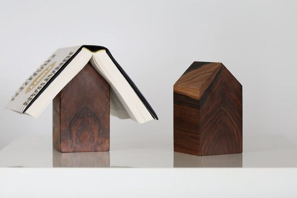 Hiška za knjige je uporabna skulptura