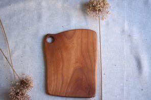 Matija Rižner: Iz vzorcev in grč v lesu nastajajo posebne zgodbe