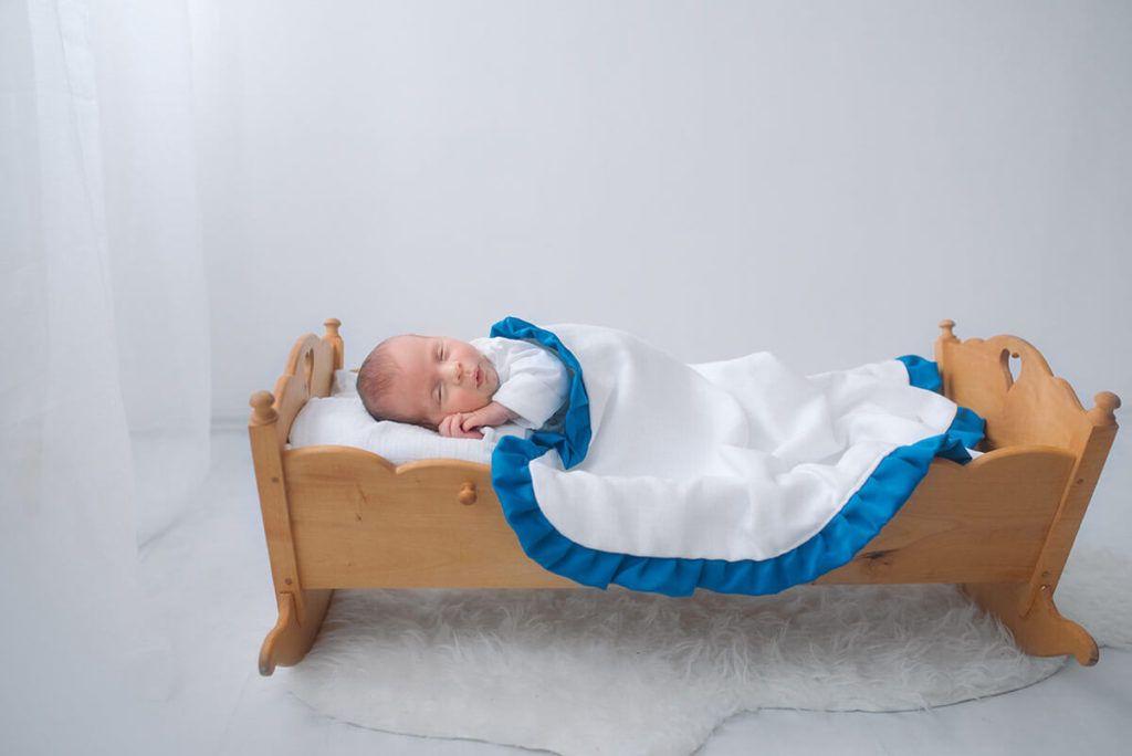 Jerneja in Rok Confidenti: Slinčki iz tetra tkanine