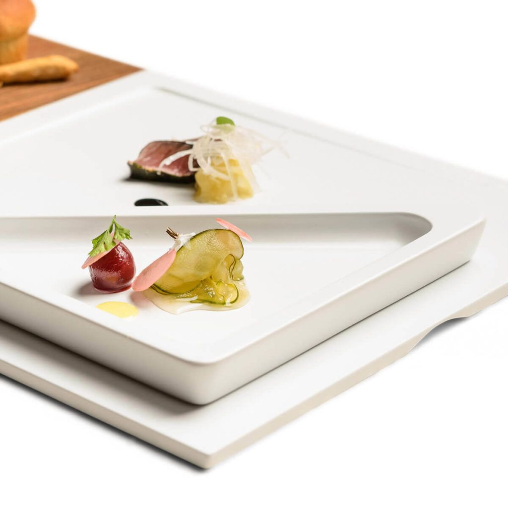 Set krožnikov za serviranje hrane iz kerrocka