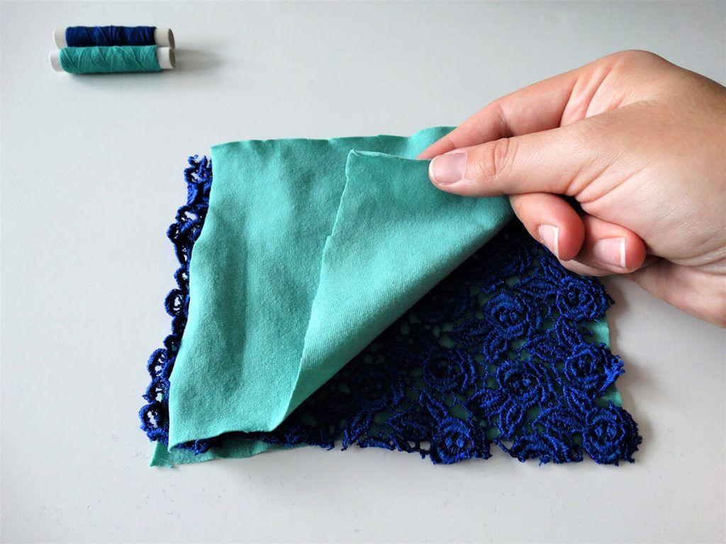 DIY: Čipkasta blazinica s sivko