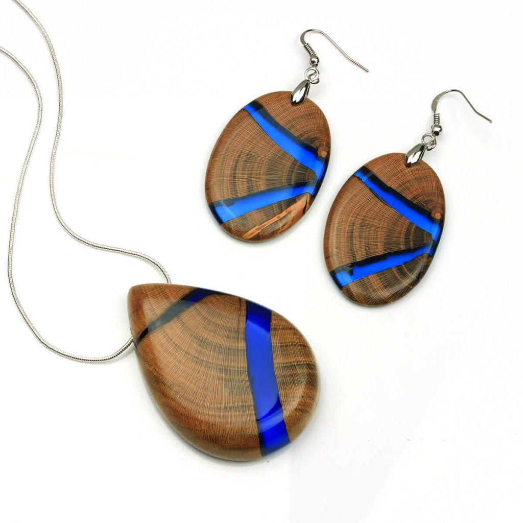 Miha Debeljak: Združil naravne lepote lesa z epoksi smolo