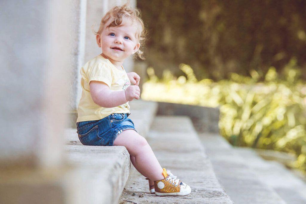 Precious Little Feet: Unikatno poslikani otroški čeveljčki