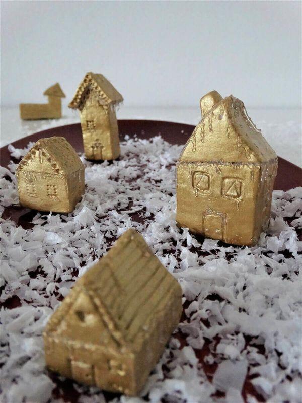 DIY: Pravljična vasica hišk z ledenimi svečami