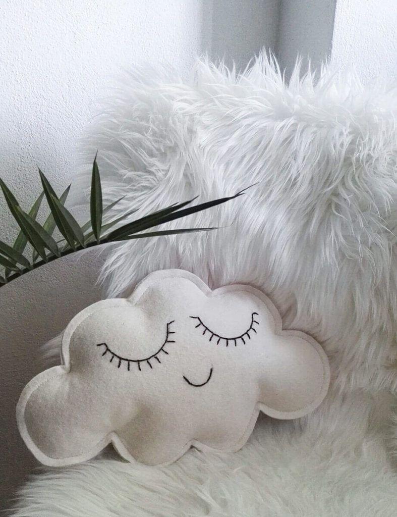 Mojca Kozlevčar: Ljubke dekorativne blazine
