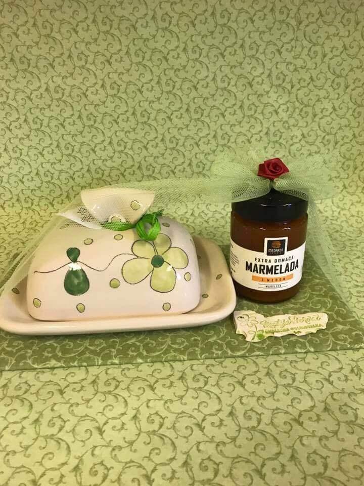Po unikatna in lično zavita darilca na praznično stojnico Mateje Horvat v City parku