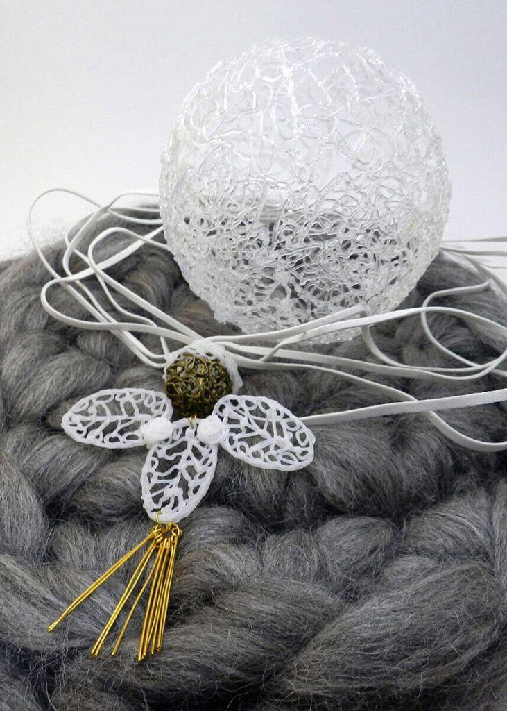 Monika Benetek: Hitro se naveliča monotonosti, a ostaja zvesta minimalizmu