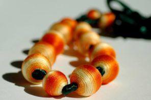 Lea iz Dalida's: Lesene kroglice ovija v bombažno nit