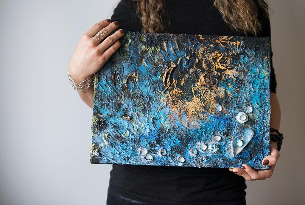 Mateja Benec: Slikaje z akrilnimi barvami omogoča neizmerno svobodo