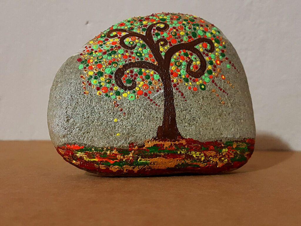 Sanja Gracej: Nakita iz kamna ni težko nositi